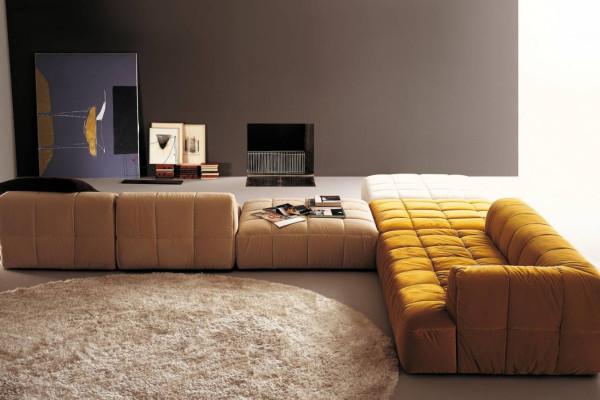 Kavč, ki navduši z eleganco